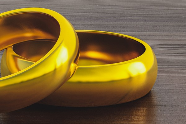 gold rings closeup